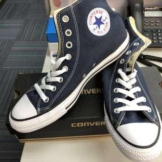 Converse Chuck Taylor canvas Hi Sneakers Size 8 UK