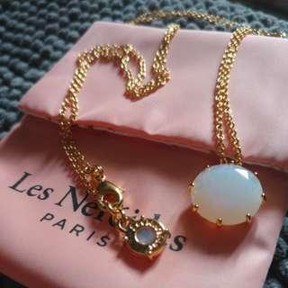 Les Nereides Opal White Round Stone Necklace