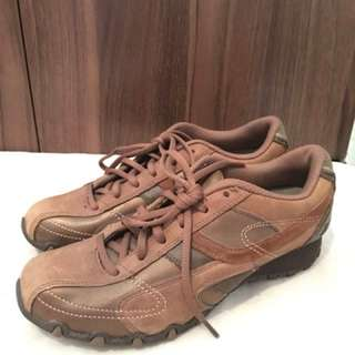 Charity Sale! Authentic Skechers Shoes Brown Leather Size 7US WOMEN pre-loved