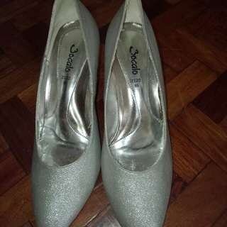 Preloved Silver Shoes