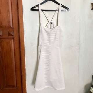 H&M WHITE BACKLESS DRESS