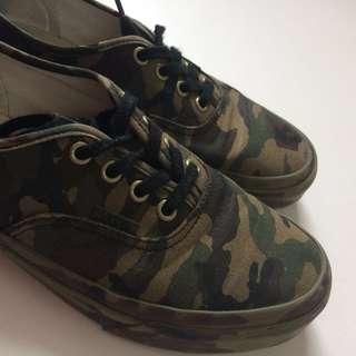 Camouflage monochrome vans skate shoes
