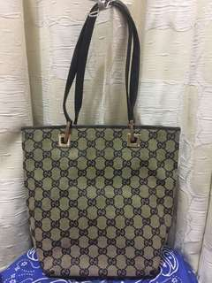 Gucci肩背小包二手舊了 便宜賣 可粗背