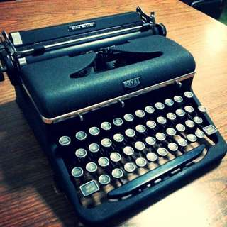 royal glasskey typewriter
