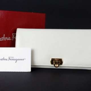 Vintage Salvatore Ferragamo White Wallet