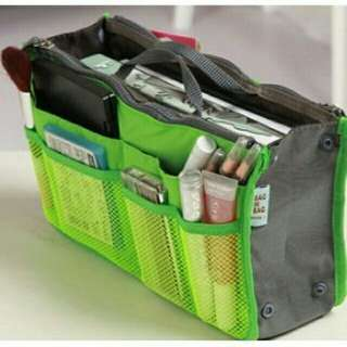 Bag organizer with zipper