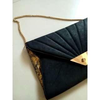 New Look Black & Gold Clutch
