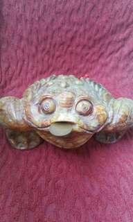 Vintage marble 3 legs frog