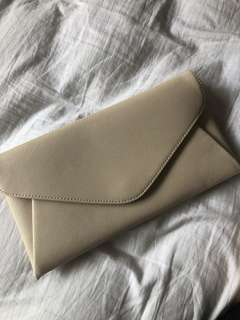 Cream-White Clutch