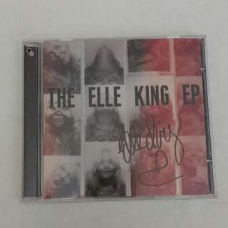 the Elle King EP(signed name)