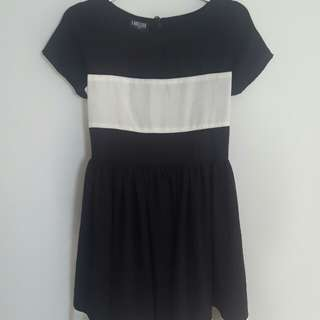 Labelova Long Dress in Black and White Size S/M