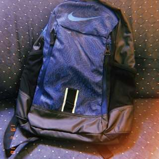 Nike backpack. Never been used. Rfs di gusto ng kapatid. Meet up Angono only