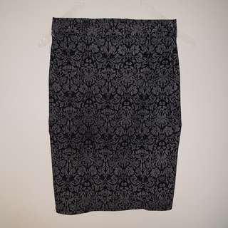 Fitted Pencil Skirt with Print
