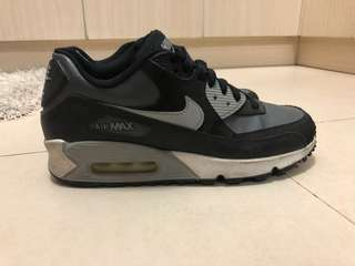 Original Nike Air Max - Size 6Y (Check photos)