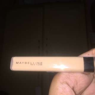 fit me concealer maybelline (light)