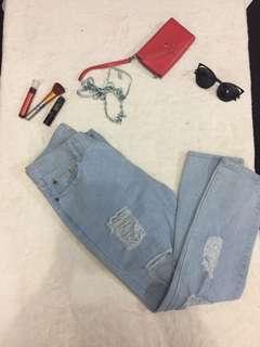 Preloved Tattered Jeans Size 29