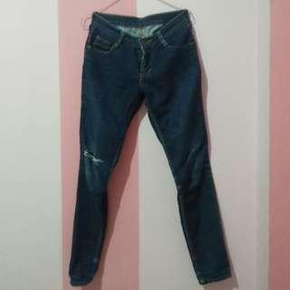 Celana jeans robek satu uk. 14