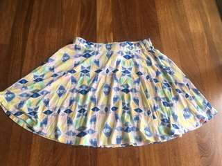 Billabong skirt for girls S ( New without Tag)