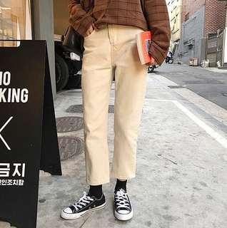 🚚 米杏色直筒長褲
