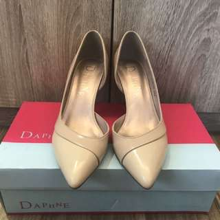 DAPHNE白色氣質>5公分尖頭高跟鞋22.5