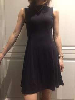 🚚 Uniqlo 黑色洋裝