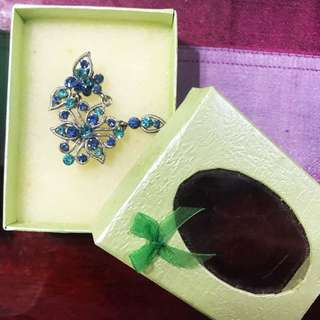 Gift boxes (jewelry boxes)