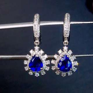 18K white gold blue sapphires diamond earrings