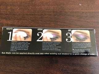 Eye majic instant eye shadow
