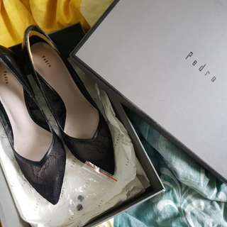 [Authentic] Pedro lace heels