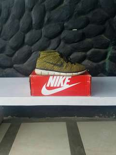 For sale!! Nike Flyknit Chukka