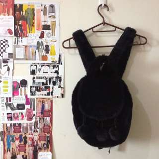 Bag: Furry black backpack