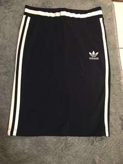 🚚 Adidas skirt 運動中短裙 辣到爆