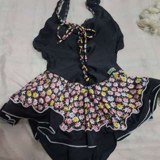 1 piece swim suit