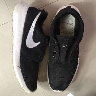 Nike Roshe Run (Vietnam Made)