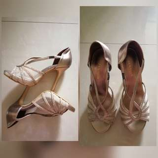 High heeled sandals / shoes