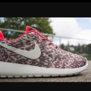 Nike Roches size 8