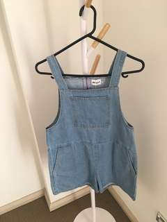 Denim bib shorts