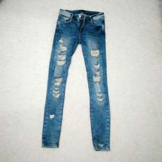 Zara Jeans (Ripped)