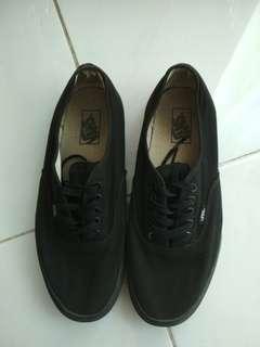 Vans authencic all black original