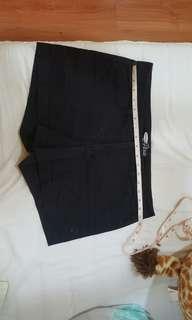 Old navy shorts (w-32)