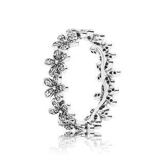 Pandora Dazzling Daisies Ring