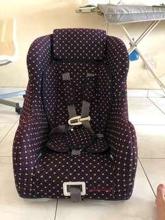 Baby car seat *URGENT