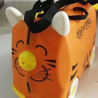 Kids Luggage With Ride and Roll