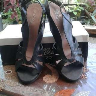 Brand New Follie heels