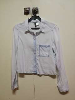 H&M divided light blue cropped long sleeved collared button down