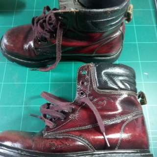 Breaking boots maroon