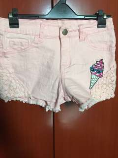 Baby pink short with patch