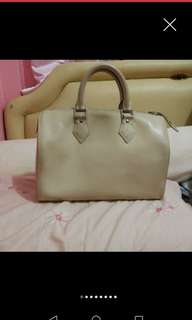 Louis Vuitton 28cm EPI Leather Speedy Handbag