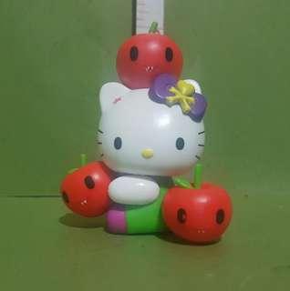 TOKIDOKI HELLO KITTY W/ APPLE