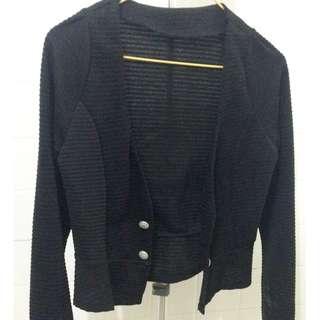 🚚 黑色短版外套